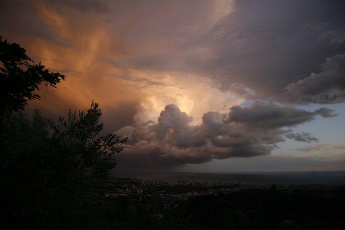 Οδηγίες δελτίο Αυτοπροστασία Πλημμύρες Βροχές Έκτακτο Δελτίο Καιρού Κρέοντας