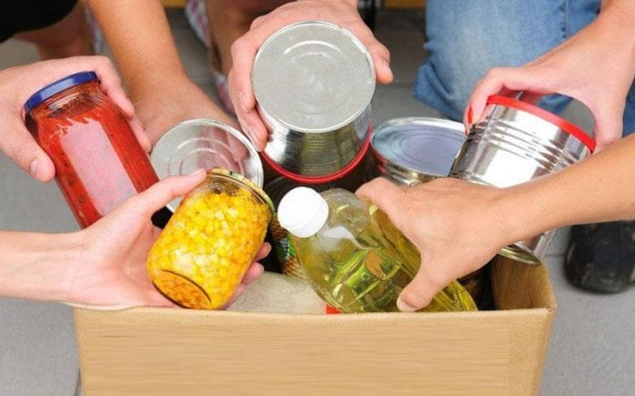 διανομή τροφίμων σε δικαιούχους ΤΕΒΑ